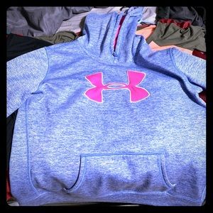 Size large women's under armor hoodie